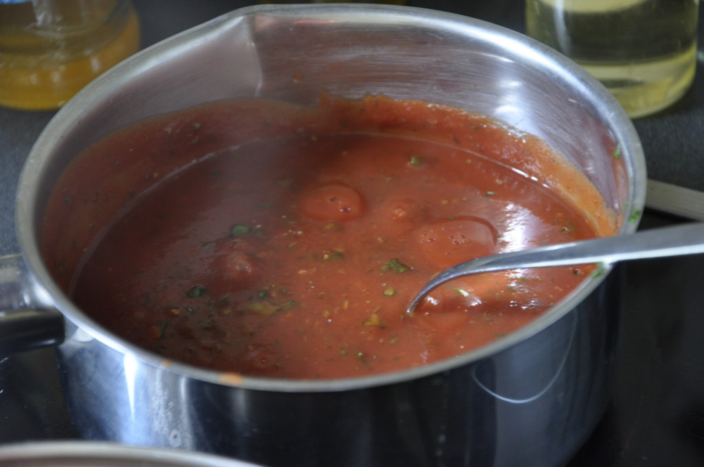 Makaron z chorizo w sosie pomidorowym