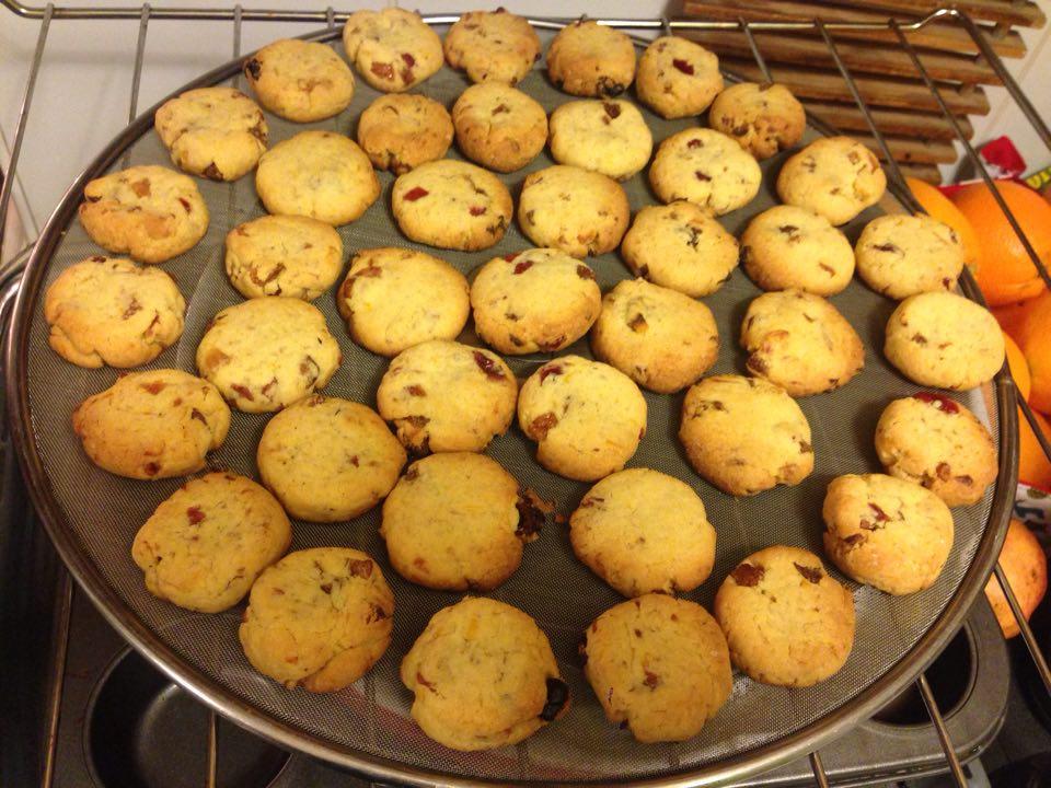Cytrynowe ciasteczka z żurawiną i morelą