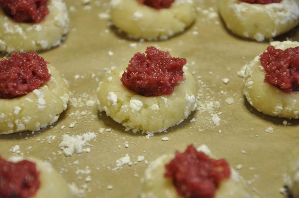 Migdałowe  ciasteczka z konfiturą różaną (2)