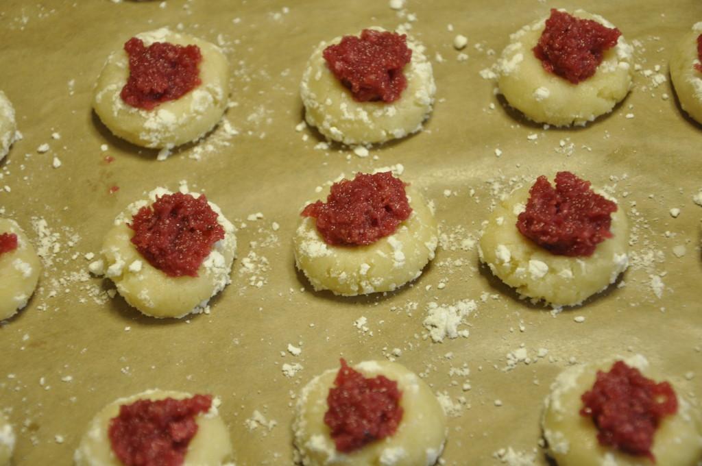 Migdałowe  ciasteczka z konfiturą różaną (3)