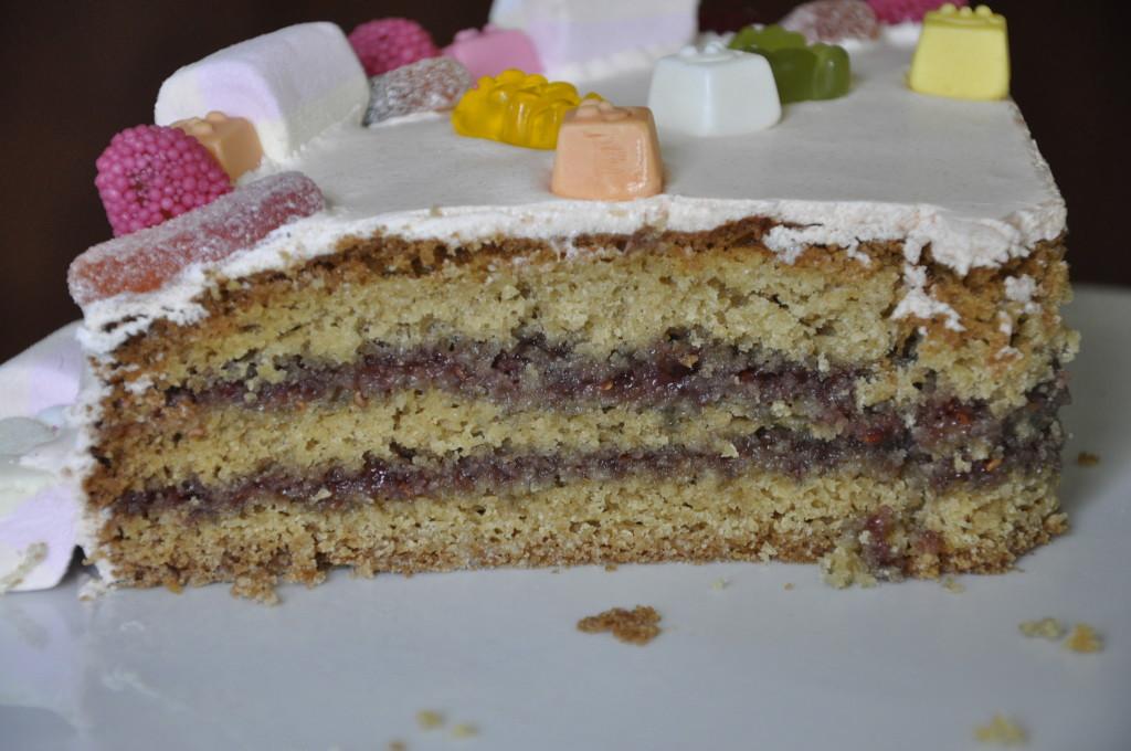 Urodzinowy tort dla Miki